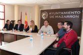 El director de la Agencia Tributaria se re �ne con la alcaldesa de Mazarr�n