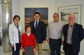 El alcalde recibió a la ganadora del concurso '¿Qué es un Rey para ti?' en la Región de Murcia