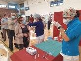 Unas 850 personas de edades comprendidas entre los 70 a 76 a�os se vacunan culminando as� su proceso de inmunizaci�n frente al COVID-19