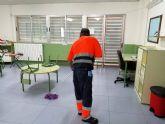 El Ayuntamiento de Molina de Segura ha empleado más de 10.500 horas de trabajo en labores de limpieza y desinfección de los centros educativos de la localidad