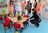 La Alcaldesa y Concejales celebran con educadoras y escolares el XXV Aniversario de la Escuela Municipal Infantil Colorines