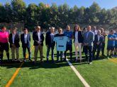 La Comunidad financia la renovación del césped del campo de fútbol de Archena