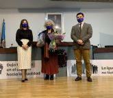 Querubina Merono recibe el Premio 8 M de San Javier