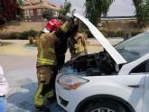 Bomberos sofocan incendio de vehículo en Puerto Lumbreras