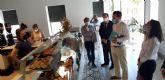 El director general de Comercio, MIguel Ángel Martín y el concejal Hécor Verdú visitan varios comercios locales