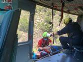 Servicios de emergencia rescatan y evac�an por aire a un ciclista accidentado en Sierra Espu�a
