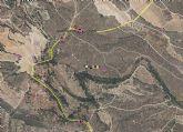 Evitan un incendio forestal en Moratalla al apagar una furgoneta que ardía junto al monte