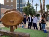 Una escultura con materiales reciclados para celebrar el Día del Medio Ambiente