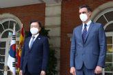 Sánchez subraya ante Moon Jae-in el interés de Espana en profundizar en las excelentes relaciones económicas y comerciales con Corea del Sur