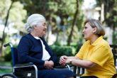 Cuidum lanza más de 100 ofertas de trabajo de cuidador para cubrir vacantes en toda Espana
