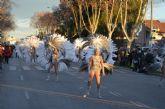 Un macrodesfile con más 2.500 personas y 50 comparsas despide el Carnaval de Santiago de la Ribera el domingo 14 de febrero