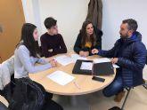 Reunión de coordinación con los corresponsales juveniles de los IES 'Salvador Sandoval' y 'La Florida'
