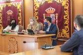 La Directora General de Comercio visita el Ayuntamiento de Alguazas y comercios de la localidad