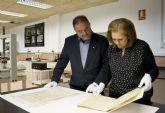 El Archivo General de la Región entrega al municipio de Totana cinco pergaminos de los siglos XIV y XV tras su restauración