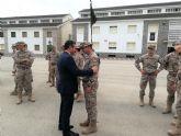 El alcalde de Alcantarilla, Joaquín Buendía, asiste en el Regimiento de Infantería 'Zaragoza' 5 de Paracaidistas, a la despedida del contingente militar español que marcha a Mali