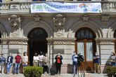 El Ayuntamiento de La Unión homenajea a médicos, enfermeros y auxiliares con una gran pancarta