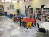 La biblioteca municipal en La Manga estrena mobiliario