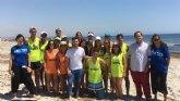 Jóvenes voluntarios colaboran durante este mes en la protección del parque de las Salinas de San Pedro y en el fomento del ecoturismo