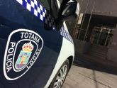 La Policía Local detiene a un hombre sospechoso de robo con fuerza e intimidación en un establecimiento comercial de Totana