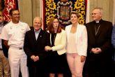 La consejera Noelia Arroyo asiste al acto de entrega de la Medalla de Oro de Cartagena al 'cura obrero' de Vista Alegre