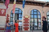 Decenas de camperos asisten al acto oficial de izado de la bandera de España