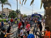 Más de 400 participantes se dan cita en una nueva edición del ciclopaseo 'En forma pedaleando'