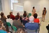 El CAVI ofrece en el Centro Social de Mayores una charla de sensibilización contra la violencia de género