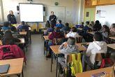 El programa 'Policía Tutor' forma a los escolares del IES 'La Florida' sobre el buen uso de Internet y de las redes sociales