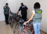 La Guardia Civil desmantela un grupo criminal relacionado con una treintena de robos de bicicletas