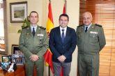Despedida del coronel jefe del Regimiento de Infantería Zaragoza 5 de Paracaidistas del alcalde y presentación de su relevo