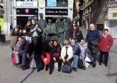 Usuarios del Centro de Día para Personas con Enfermedad Mental visitan el Museo Salzillo de Murcia