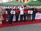 La Asociación AEMA III realiza en Lorca la campaña 'Kiss Goodbye To Ms' con el objetivo de recaudar fondos para la investigación de la Esclerosis Múltiple