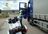 La Guardia Civil intercepta al conductor de un vehículo articulado de 26 toneladas conduciendo bajo los efectos de drogas