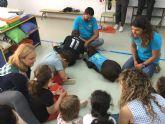 El aula abierta del CEIP 'Joaquín Carrión' y Aidemar participan con éxito en un proyecto de terapia con perros
