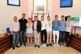El alcalde recibe a los atletas del club Nutribán Sociedad Atlética Alcantarilla, por los éxitos en los últimos campeonatos de España