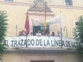 Ya van 7 días de encierro de los afectados por el nuevo trazado del AVE en el Ayuntamiento de Totana