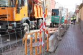 A principios de septiembre está previsto que finalicen las obras de renovación de la red de agua potable y alcantarillado en la calle Teniente Pérez Redondo