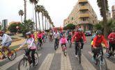 Más de 400 personas participan en la actividad deportiva 'en forma pedaleando'