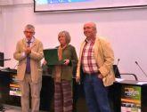 La técnico de Empleo y Desarrollo Local del Ayuntamiento de Totana, Isabel Morera, recibe el Premio Mejor Técnico de Desarrollo Local de este año
