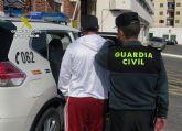 La Guardia Civil detiene in fraganti a dos hermanos mientras robaban en viviendas de Mazarrón