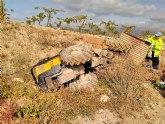 Muere un hombre al caerle encima el tractor que conducía, en Aledo