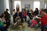 Alumnos de 4° de Primaria del colegio 'El Recuerdo ' entrevistan al alcalde para completar su proyecto sobre el municipio