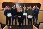 El ayuntamiento reconoce a los j�venes voluntarios del municipio