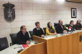 El alcalde subraya el lastre que supone sobre la ya maltrecha situación económica municipal la resolución de cinco nuevas sentencias judiciales