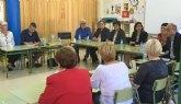 Educación impulsa en Santomera un nuevo proyecto pionero intergeneracional basado en el apoyo de personas mayores en las aulas