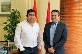 El alcalde recibe al nuevo presidente de la Junta de Hermandades y Cofradías Pasionarias