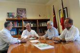 Fulgencio Pérez se reúne con representan tes de Agroseguro y de los productores de tomate de la zona de Mula