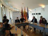 El Ayuntamiento suscribe el convenio para posibilitar la realizaci�n de pr�cticas formativas a dos j�venes europeas en esta entidad local