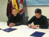 El Ayuntamiento firma convenio de colaboración con la Asociación Grupo de Coros y Danzas Virgen del Rosario.
