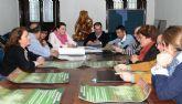 El Gobierno se reúne con los colegios dentro de la campaña informativa para minimizar los efectos de las quemas